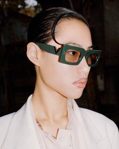 valentino-occhiali-da-sole-donna-collezione-primavera-estate-2021