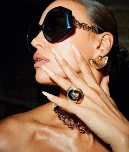versace-occhiali-da-sole-donna-collezione-autunno-inverno-2020-2021